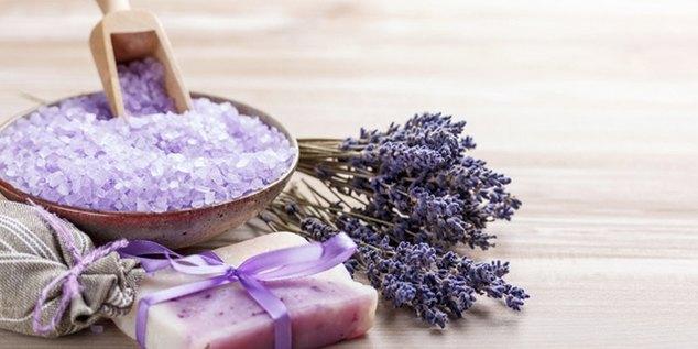 Ингредиенты для расслабляющей солевой ванны