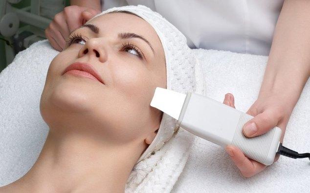 Процедура ультразвуковой чистки кожи лица