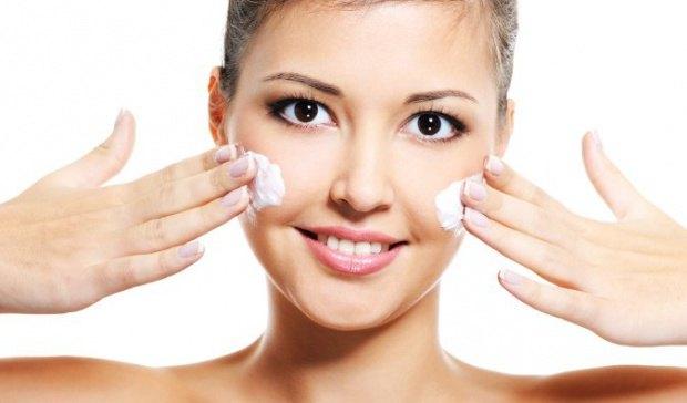 Очищение кожи лица скрабом