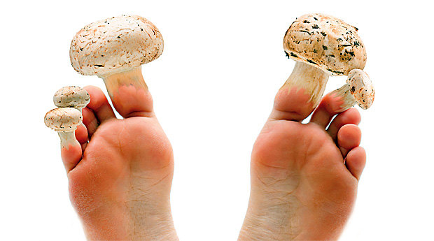 Чем вылечить полностью пораженный ноготь грибком